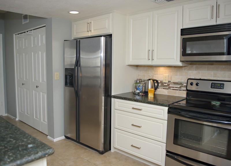 townhouse-kitchen-update-refrigerator-view